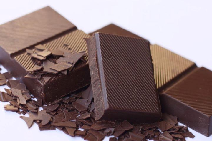 Дольки шоколадной плитки
